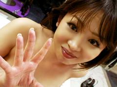 母乳を噴き出す淫乱お姉さん杉本美優