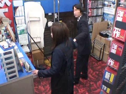とあるレンタルビデオ店での監視カメラが見た事実 Vol.4 無修正画像01